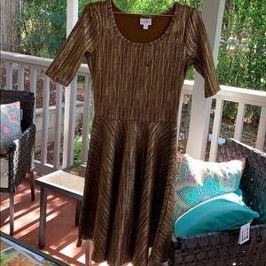 ❤️HP❤️ Size Medium LuLaRoe Brown and gold dress